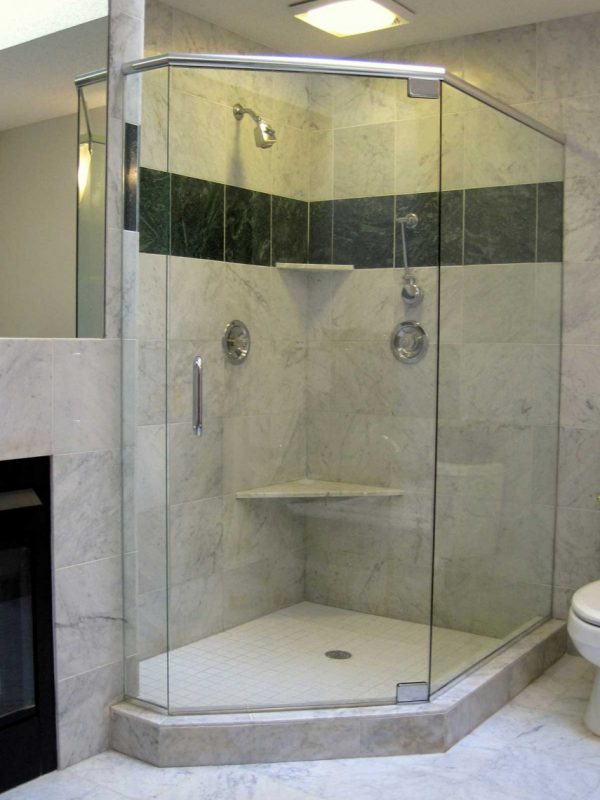 Custom Shower w/Header
