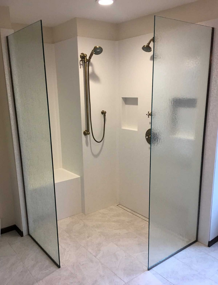 Pattern Glass Panels Shower Shield For Angled Ceiling