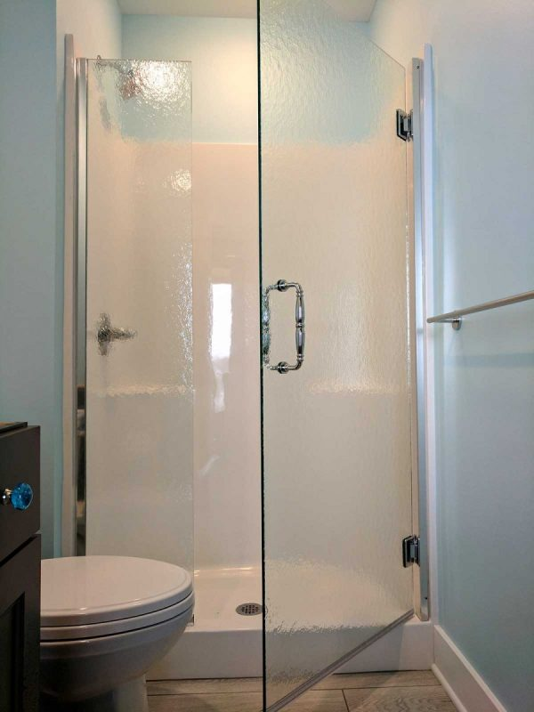 Frameless Shower in Fiberglass Surround